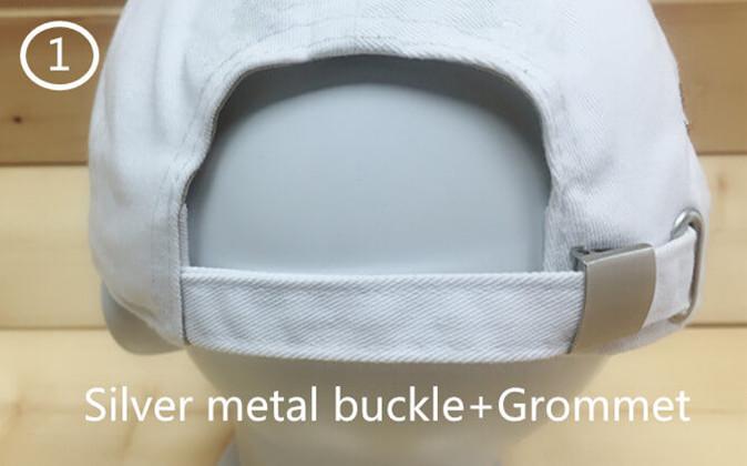 1 silver metal buckle